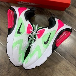 • NIKE AIR MAX 200 white/hyper pink WMNS